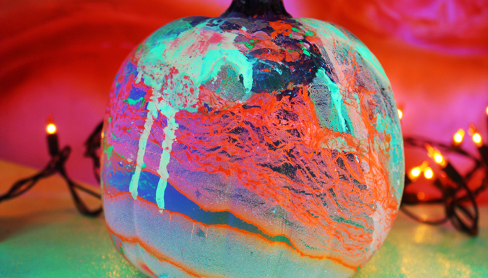 glow-marbled-pumpkin-2