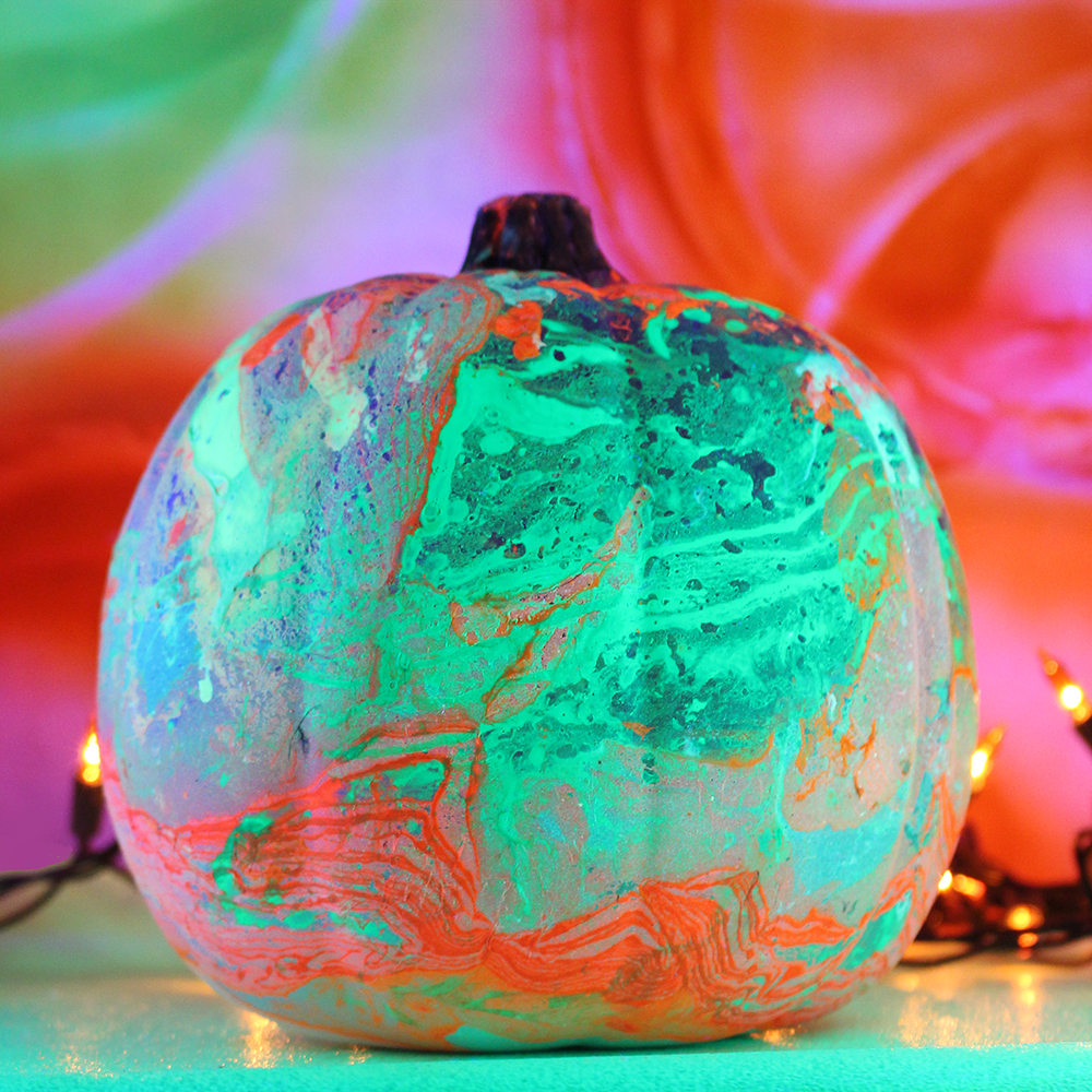 glow-marbled-pumpkin